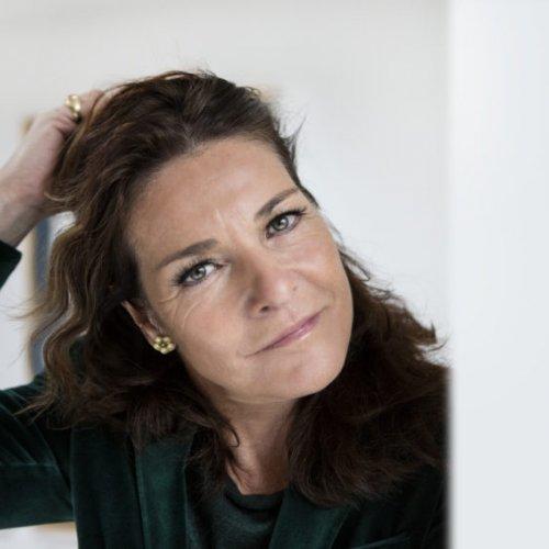 Lis Sørensen stående sommerfest 2018 på realen - udsolgt